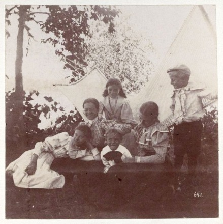 Group of kids at Grainwood c1898