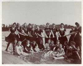 Group of teenagers at Prior Lake - Grainwood c1898